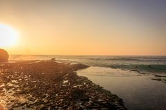 阿骨打海滩在辛特拉,葡萄牙 图库摄影