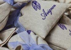 阿维尼翁纪念品小的大袋用淡紫色 免版税库存图片