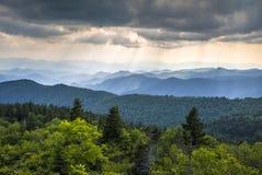 阿巴拉契亚山脉蓝岭山行车通道西北卡罗来纳 免版税图库摄影