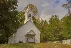 阿巴拉契亚边陆的一个小的白色教会。 图库摄影