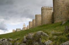 阿维拉市墙壁 免版税库存图片