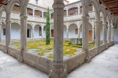 阿维拉,西班牙, 2016年4月- 18日:教会真正的monasterio de Santo Tomas哥特式心房  免版税图库摄影