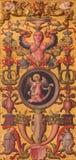 阿维拉,西班牙:带复杂花叶形装饰的装饰门在Catedral de有象征性的克里斯多萨尔瓦多圣器收藏室圣马修福音传教士 免版税库存图片