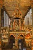 阿维拉-三个魔术家细节罗马式多彩葬礼纪念品的-大教堂从12的de钦琼特佩克火山 分 免版税库存图片