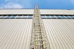 附上的安全梯子 图库摄影