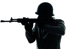 陆军人射击战士 免版税库存图片
