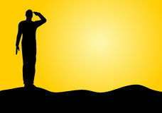 陆军向致敬的剪影战士 免版税图库摄影