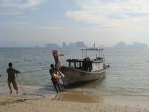 登陆泰国的小船 免版税库存照片
