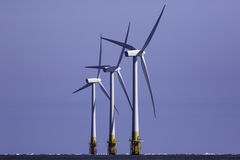 陆风涡轮 可再造能源来源 免版税库存照片