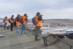 登陆Rymka的亭子的屋顶的摄影师 谢列梅 图库摄影