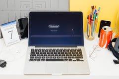 陈列关于超级的苹果电脑网站宫本茂 免版税库存照片