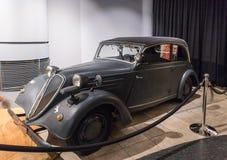 陈列的Stoewer格雷夫小辈1938年在国王Abdullah二世汽车博物馆在阿曼,约旦的首都 库存图片