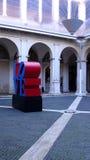 "陈列""Love 当代艺术在Chiostro del Bramante,罗马遇见Amour† 库存图片"