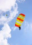 降伞skydive纵排 库存图片
