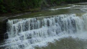降低在Genesee河的秋天 股票视频