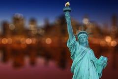 降低曼哈顿和Liberty夫人 免版税库存图片