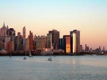 降低曼哈顿日落 免版税库存图片