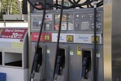 降低汽油价格 库存图片
