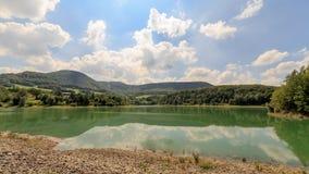 降低Glems水力发电驻地的湖 库存图片