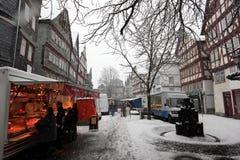 降雪在老镇Herborn,德国 免版税库存图片