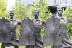 陕西,中国- 2015年6月06日:战士雕象坟茔的  库存图片