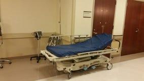 医院盖尼式床 库存照片