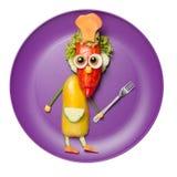 院长由新鲜蔬菜做成在紫色板材 库存照片