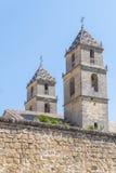 医院de圣地亚哥,宇部,哈恩省,西班牙的两个塔 库存图片