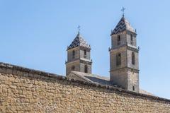 医院de圣地亚哥,宇部,哈恩省,西班牙的两个塔 免版税库存图片