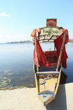 Sikara在Mansar湖。 库存照片