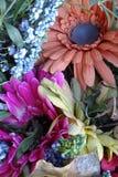 除芯庭院的花美丽的布料花束  图库摄影