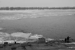 除霜,解冻 俄罗斯河 免版税库存照片
