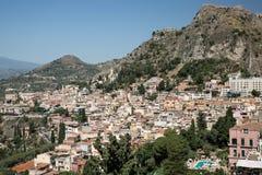 陶尔米纳意大利山坡  免版税图库摄影
