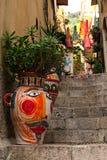 陶尔米纳,意大利2017年1月04日:独特地装饰的狭窄 库存照片