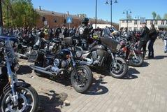 陶格夫匹尔斯/拉脱维亚- 2018年5月5日:骑自行车的人每年汇聚从波儿地克的国家的在陶格夫匹尔斯 免版税库存图片
