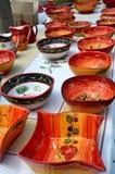 陶瓷器物在街市上在普罗旺斯,法国 免版税库存图片