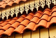陶瓷屋顶铺磁砖了 免版税库存照片