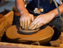 陶瓷工工作 免版税库存照片