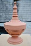 陶瓷手工制造雕刻的瓶子 免版税图库摄影