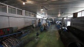 陶瓷砖制造商,黏土,现代工厂,新的工厂,生产,工厂设备的准备 股票视频