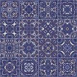 陶瓷砖的一汇集在减速火箭的颜色的 免版税库存图片