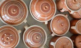 陶瓷罐在市场上 图库摄影
