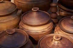 陶瓷罐手工制造黏土 免版税库存照片