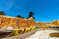 陶瓷长凳公园Guell -巴塞罗那西班牙 库存图片