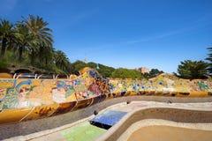 陶瓷长凳公园Guell -巴塞罗那西班牙 图库摄影