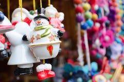 陶瓷雪人玩具 免版税库存图片