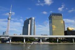 隅田川日本的东京地平线 免版税库存照片