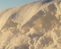 随风飘飞的雪表面 免版税库存图片