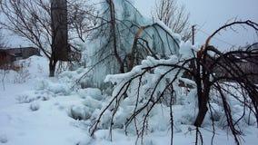 随风飘飞的雪,冰柱冰霜 图库摄影