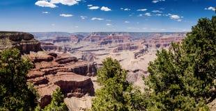 隐士休息俯视大峡谷 免版税库存照片
